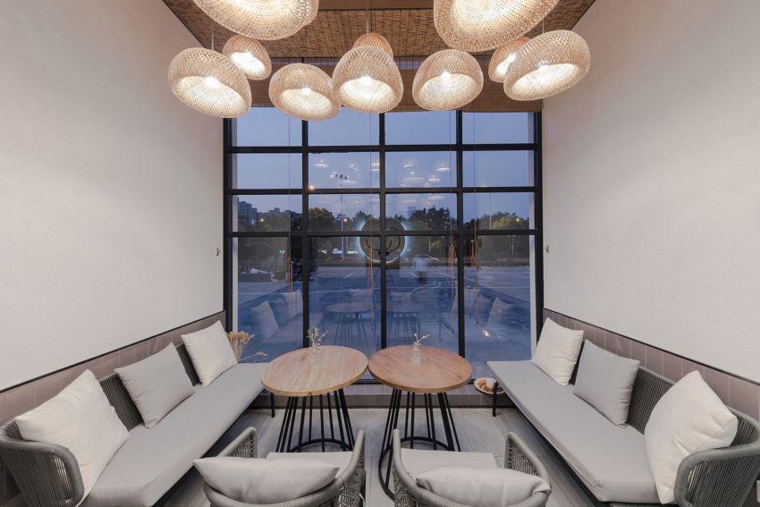 فصای خصوصی با دیوارهای شیشه ای