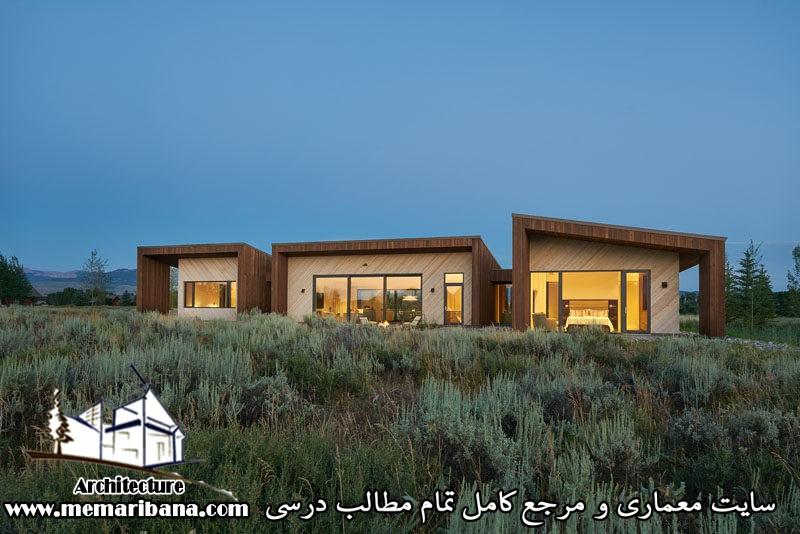 طراحی خانه ایی در وایومینگ با استفاده از چوب تیره و نور برای ایجاد یک نما برای سه ساختمان