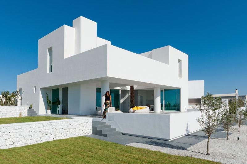 طراحی خانه ویلایی مدرن در کنار ساحل جزیره سانتورینی